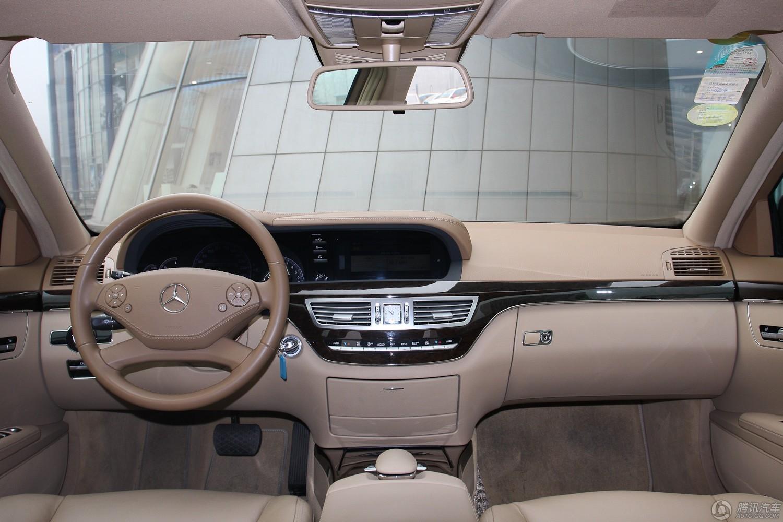 2012款 奔驰 S300L 商务简配型
