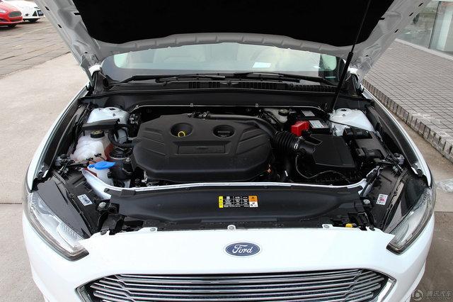 2013款 蒙迪欧 2.0L GTDi 200豪华型 (典雅白)