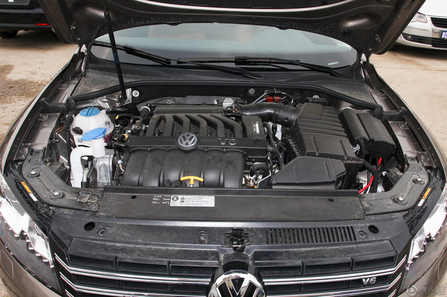 2014款 帕萨特 3.0L V6 DSG旗舰尊享版