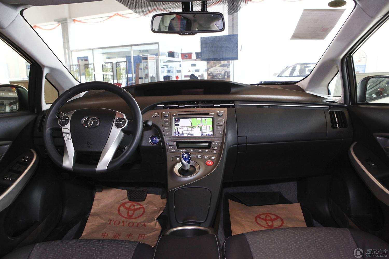 2012款 丰田普锐斯 1.8L CVT豪华先进版