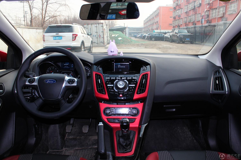 2012款 福特福克斯 两厢 2.0L MT豪华运动型