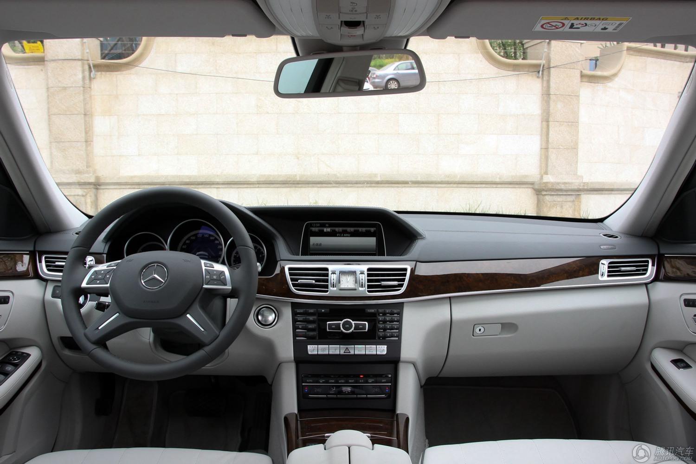 奔驰E级 2015款 E320L 4MATIC