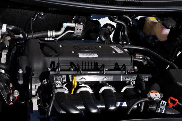 起亚K2  2015款 三厢 1.6L AT Premium