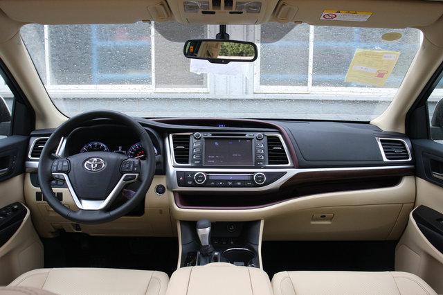 丰田 汉兰达 2015款 3.5L AT四驱至尊版(7座)