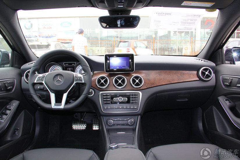 奔驰 奔驰GLA级 2015款 GLA 260 4MATIC 运动型