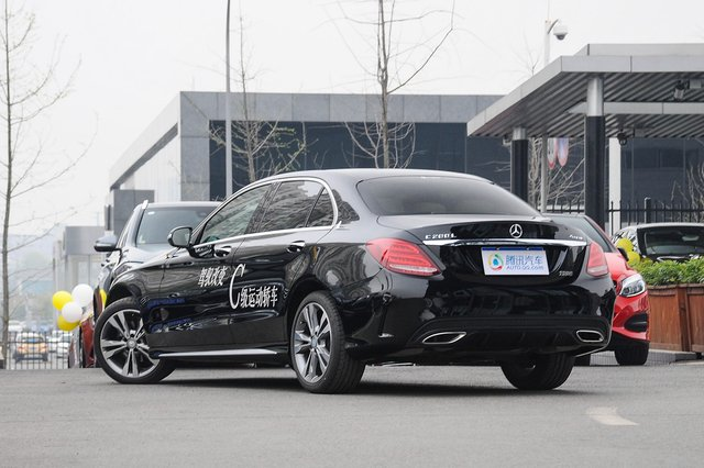 奔驰C级 2015款 C 200 L 4MATIC 运动版