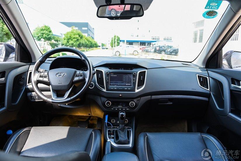 北京现代ix25 2015款 2.0L DLX AT四驱尊贵型