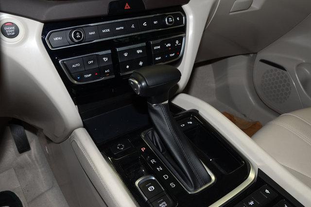 传祺GS8 2017款 320T 四驱至尊版 冰川蓝