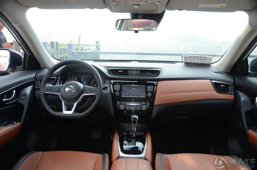 奇骏 2017款 2.5L CVT四驱至尊版(5座)