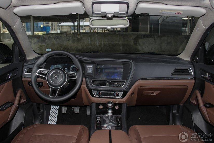 众泰T600 2016款 运动版 1.5T MT尊贵型