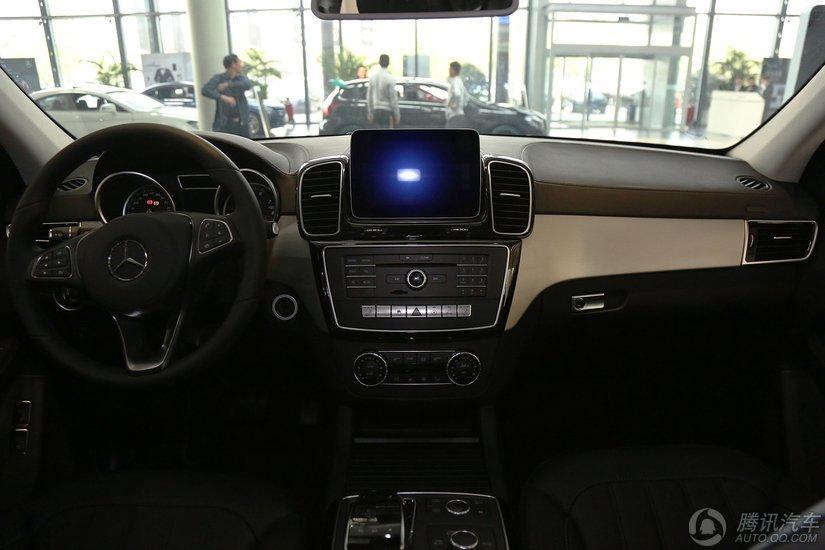 奔驰 2016款 GLS 400 4MATIC动感型