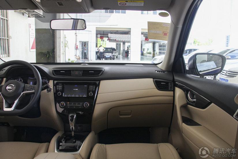 奇骏 2017款 2.0L CVT两驱舒适版(5座)