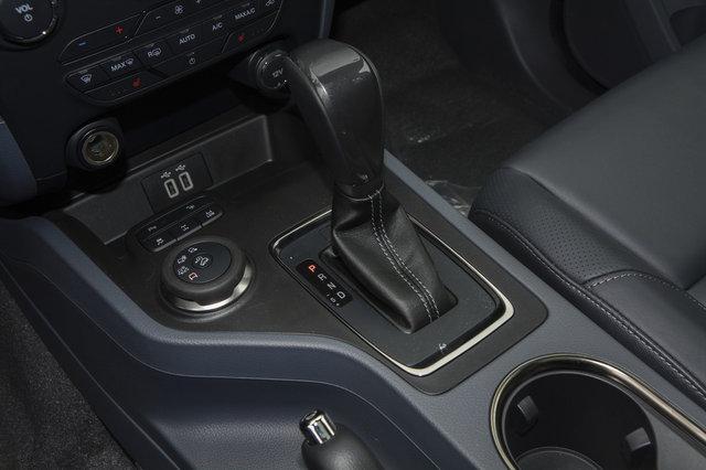 撼路者 2017款 2.0T AT汽油四驱旗舰版(7座)