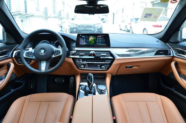 宝马5系 2018款 530Li 尊享型 M运动套装