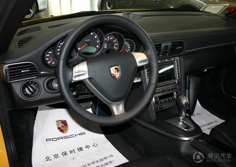 911 Carrera MT