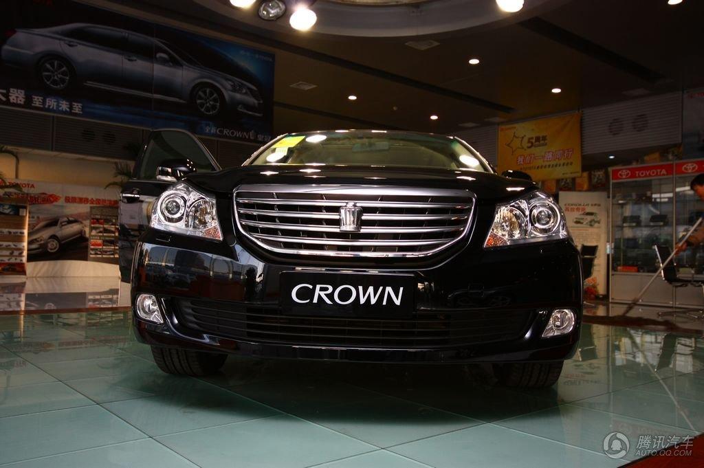 2010款 新皇冠 V6 3.0L Royal Saloon 到店实拍图
