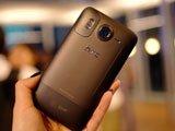 HTC Desire HD背部设计
