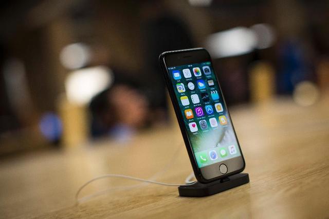 为什么iPhone 8还是要在9月发布?看这个就明白了