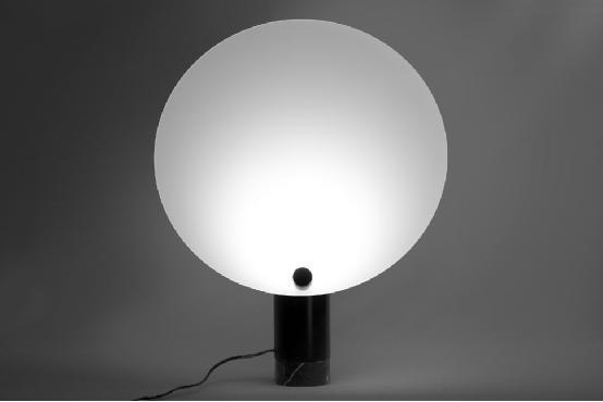这个智能灯能在房间中再造你喜欢的日光场景