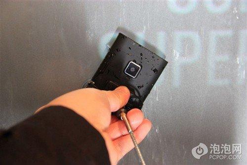 超薄机身+三防 松下新品手机ELuga解析