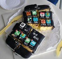 切开以后的iPhone蛋糕