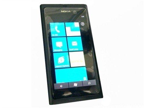 诺基亚第二款WP7手机亮相 名为Sabre
