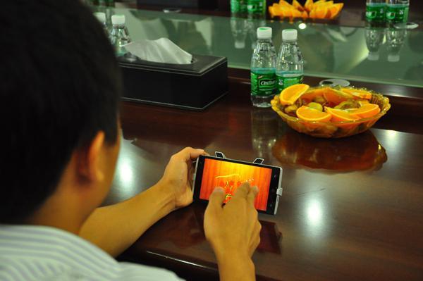工厂揭秘 下代takee全息手机装备3D摄像头
