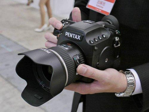 超高像素中画幅 宾得645D配镜头69500元