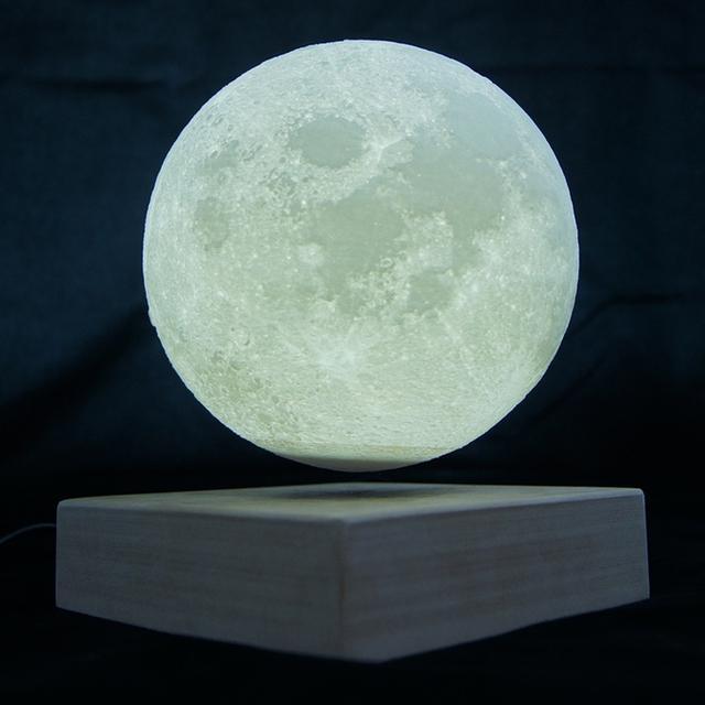 磁悬浮的月球台灯 赛亚人一定很讨厌这个设计