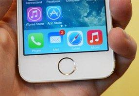 iPhone 5s搭载指纹识别传感器的Home键