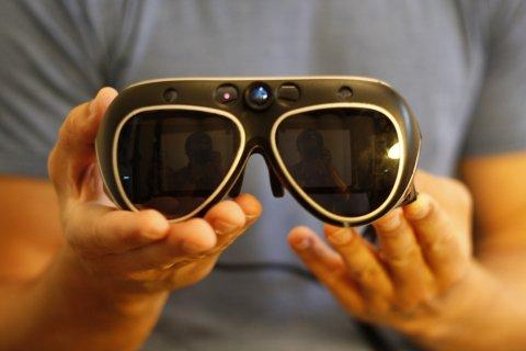 Meta 3D眼镜试玩:让你真正变成钢铁侠