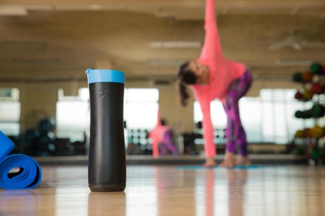 最聪明的智能水杯 它知道你的运动量并提醒喝水