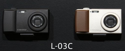 可打电话的照相机 L-03C的背后是宾得