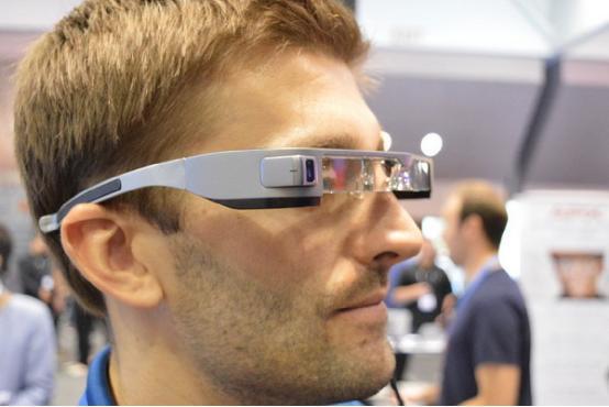 外媒评爱普生BT-300 增强现实眼镜的未来态