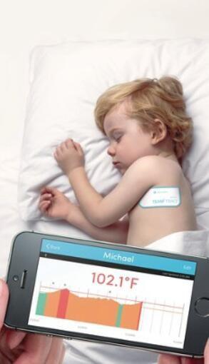 这块胶布够神奇:能监测患病儿童体温