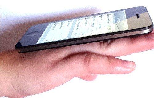 iPhone5实拍谍照再次出现 被疑为PS杰作