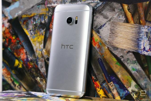 连亏一年的HTC何时止跌 新手机能救他们吗?