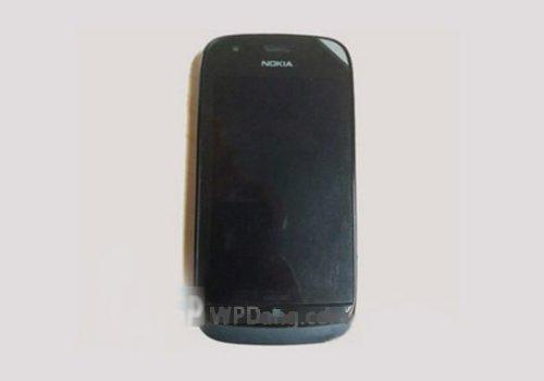 64GB容量 WP8系统诺基亚Vertu谍照曝光