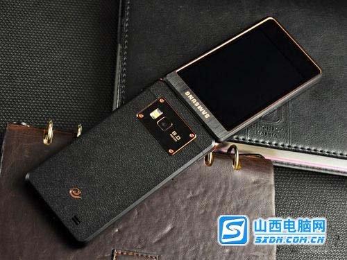 高端商务典范 三星W2013双屏翻盖手机