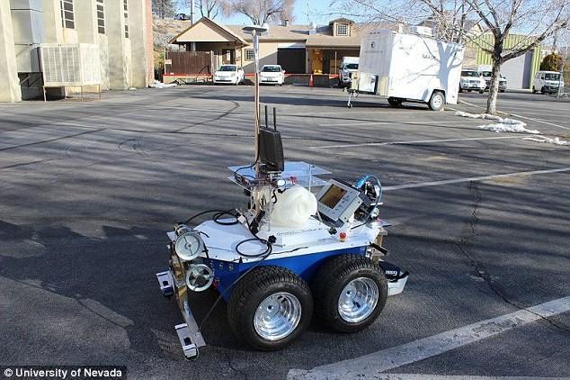 机器人可以检查桥梁了 精准度达到96%