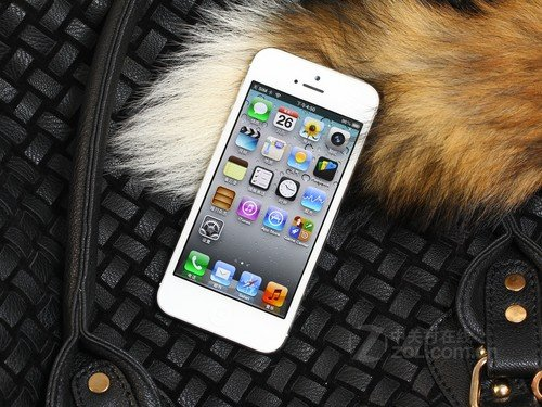 三星S4冲击苹果5 新一轮热销手机排行榜