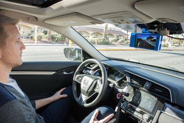 想要特斯拉一般的自动驾驶?装上这个玩意就行