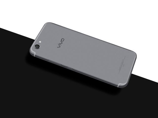 vivo X9Plus星空灰开卖 3298元买它送小哥哥?