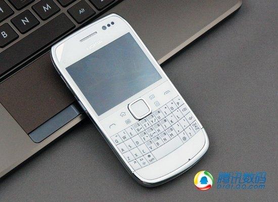 塞班商务新形态 全键盘+电容屏诺基亚E6评测