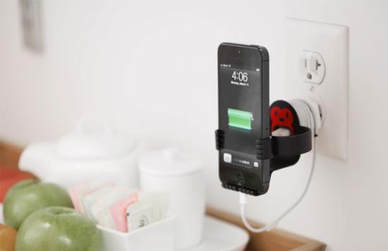 节省空间 壁挂式iPhone 5数据线收纳充电器