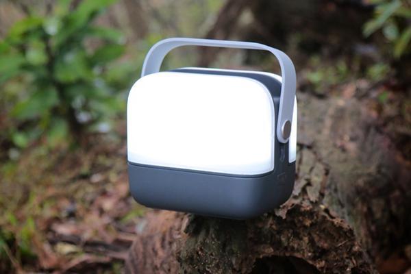 集成GPS和无线电的LED手提灯 简直是户外生存神器