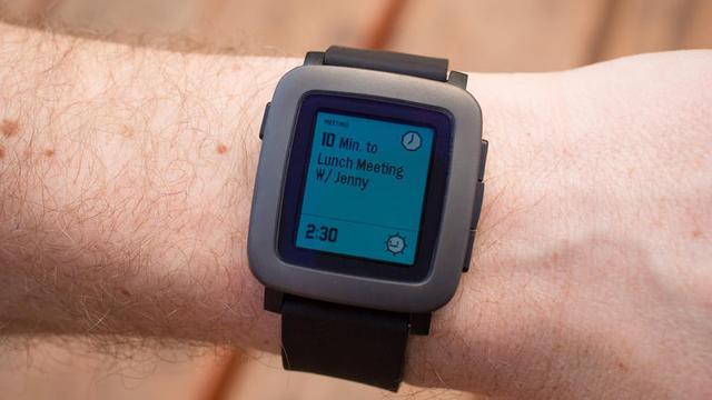 彩色电子纸屏幕智能手表Pebble Time上手