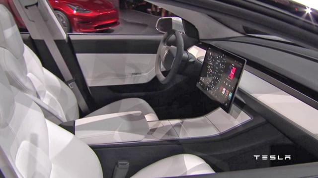 内饰惊呆!特斯拉Model 3中控显示屏LG代工