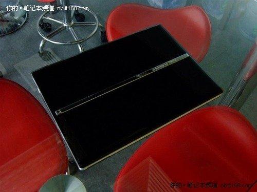 酷睿双核处理器 方正T400本售价4299元