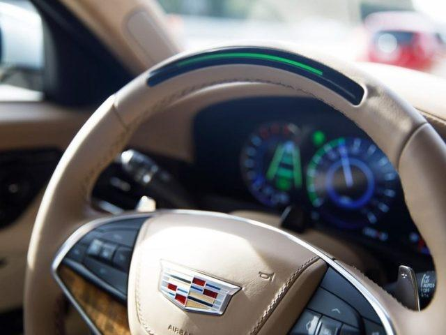 凯迪拉克用摄像头解决自动驾驶难题 监控司机视线